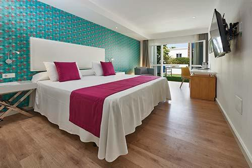 Interval international resort directory flamingo club for Decor international adeje tenerife